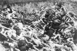 Dead prisoners in a mass grave — after the liberation. (IPN)